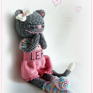Lea macskusz, Cica, Plüssállat & Játékfigura, Játék & Gyerek, Horgolás, Mit szólnál, ha egy ilyen cuki macskusz dorombolna Nálatok, hm ? Garantált szerelem lesz :)\nMérete: ..., Meska