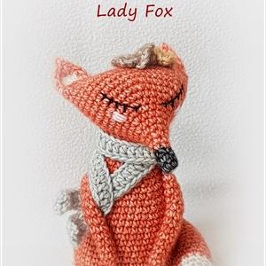 Lady fox - róka, Róka, Plüssállat & Játékfigura, Játék & Gyerek, Horgolás, Róka lady jár a városban. Sündörög a gyerekek között, dörgölődzik, simul, hízeleg. Háááát, nem telje..., Meska