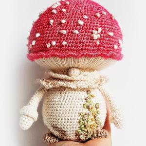 Gomba manó - Légyölő galóca, Manó, Plüssállat & Játékfigura, Játék & Gyerek, Horgolás, Kedves gomba manó. Annyi eső érte, hogy igen nagyra nőtt :) Ha mesekönyvben gombáról van szó, szinte..., Meska