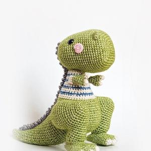 Dénes, T-rex, dinoszaurusz, Más figura, Plüssállat & Játékfigura, Játék & Gyerek, Horgolás, El sem tudok képzelni nála csúfabb jószágot...\nViccelteeeem :) \nÉdes kis dinó, ki hinné el, hogy még..., Meska
