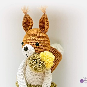 Milla mókus, Játék & Gyerek, Horgolás, Milla már bespejzolt mogyoróval, dióval télire, már csak egy jó meleg új kuckót keres :)\nPompom sálj..., Meska