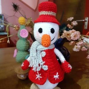 Horgolt hóember, horgolt fenyőfával, Játék & Gyerek, Plüssállat & Játékfigura, Más figura, Hímzés, Horgolás, 20 cm magas horgolt hóember horgolt fenyőfával Karácsonyi dekorációnak illetve gyermek játéknak megf..., Meska