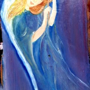 Dallam Angyala, Otthon & lakás, Dekoráció, Képzőművészet, Festmény, Olajfestmény, Festészet, Fahasábra olajfestékkel festett, lakkozott Angyal kép. 25*18 cm, Meska