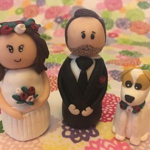Esküvői egyedi tortadísz, figura, nászpár, örök emlék, Sütidísz, Dekoráció, Esküvő, Gyurma, Esküvődre a képen láthatóak szerint egyedi megrendelés alapján figurákat készítek, mely alkalmazkodi..., Meska