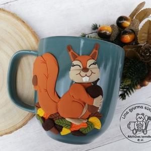 Őszi hangulatú mókusos bögre - Meska.hu