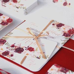 Bordó Esküvői meghívó, Őszi Rózsás meghívó, rózsa, elegáns, romantikus, virágos meghívó, őszi meghívó, őszi virágok,, Esküvő, Meghívó, ültetőkártya, köszönőajándék, Naptár, képeslap, album, Otthon & lakás, Képeslap, levélpapír, Fotó, grafika, rajz, illusztráció, Papírművészet, Minőségi Virágos Esküvői  Meghívó\n\n* MEGHÍVÓ CSOMAG BORÍTÉKKAL:\n- 1.  -Meghívó lap, egy oldalas: kb...., Meska