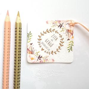 Köszönetkártya,  Rusztikus,virágos natúr, ültető, ültetésirend, hely kártya, vintage esküvői dekoráció, virágkoszorú, Esküvő, Köszönőajándék, Emlék & Ajándék, Igényes köszönetkártya, ajándékkísérő lyukasztva szalaggal kötve  * MÉRETE: kb: 5.1 x 5.1 cm Más mér..., Meska