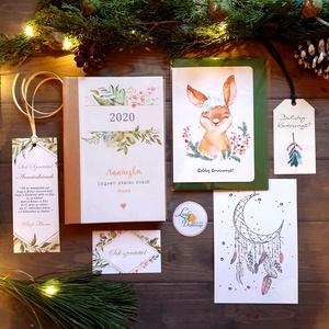 KARÁCSONYI CSOMAG, Egyedi naptár, könyvjelző, naptár, Karácsonyi Kép, Adventi Képeslap, ajándékkísérő, névreszóló, Otthon & Lakás, Karácsonyi képeslap, Karácsony & Mikulás, TELJES KARÁCSONYI CSOMAG:  DOBOZ TARTALMA:  * Egyedi borítású Naptár: kényelmesen táskában hordozhat..., Meska