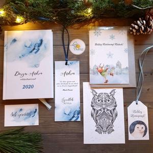 KARÁCSONYI CSOMAG, Egyedi naptár, könyvjelző, naptár, Karácsonyi Kép, Adventi Képeslap, ajándékkísérő, névreszóló, Karácsonyi képeslap, Karácsony & Mikulás, Otthon & Lakás, Fotó, grafika, rajz, illusztráció, Mindenmás, TELJES KARÁCSONYI CSOMAG:\n\nDOBOZ TARTALMA: \n* Egyedi borítású Naptár: kényelmesen táskában hordozhat..., Meska