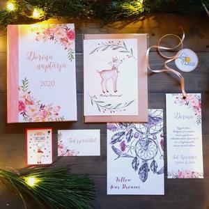 KARÁCSONYI CSOMAG, Egyedi naptár, könyvjelző, naptár, Karácsonyi Kép, Adventi Képeslap, ajándékkísérő, névreszóló, Otthon & Lakás, Ajándékkísérő, Papír írószer, TELJES KARÁCSONYI CSOMAG:  DOBOZ TARTALMA:  * Egyedi borítású Naptár: kényelmesen táskában hordozhat..., Meska