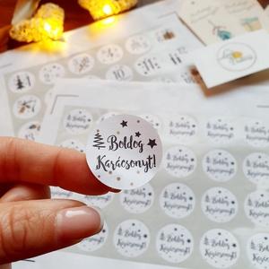 """Karácsonyi matrica, 3cm átmérő kör papír matrica, karácsonyi csomagolás, ajándékkísérő, Karácsony & Mikulás, Karácsonyi csomagolás, Fotó, grafika, rajz, illusztráció, Mindenmás, 24 db kör Karácsonyi matt papír matrica\n\n* 1 ív (24db): 3cm-es \""""Boldog Karácsonyt!\"""" feliratú matrica..., Meska"""