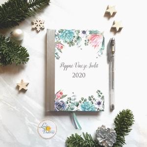 Naptár, kalendár, zsebnaptár, Egyedi naptár, határidőnapló, egyedi, Karácsonyi ajándék, névreszóló, Otthon & Lakás, Papír írószer, Naptár & Tervező, Fotó, grafika, rajz, illusztráció, Mindenmás, Naptár egyedi borítóval.\n\n* Egyedi borítású Naptár: kényelmesen táskában hordozható\n ( mérete: 12 x ..., Meska