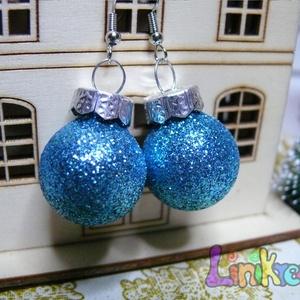 Karácsonyi dísz gömb fülbevaló fényes vagy csillámos, Ékszer, Fülbevaló, Ékszerkészítés, A kis gömb fülbevaló átmérője 2 cm. Nikkelmentes alapon lóg a fülbevaló. Több színben is elérhető, k..., Meska