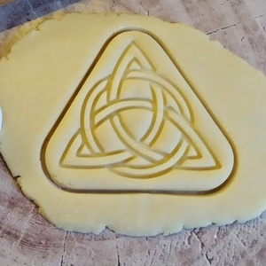 Triquetra a kelta csomó sütikiszúró, Otthon & Lakás, Konyhafelszerelés, Sütikiszúró, Saját tervezésű és 3D-nyomtatású  süteménykiszúró forma.  Eredetileg a Triquetra a kelta anya istenn..., Meska