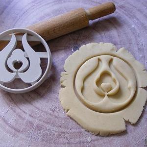 Tulipán sütikiszúró 1, Egyéb, Otthon & lakás, Konyhafelszerelés, Saját tervezésű és 3D-nyomtatású  süteménykiszúró forma.  A magyar népművészetből (pl. tulipános lád..., Meska