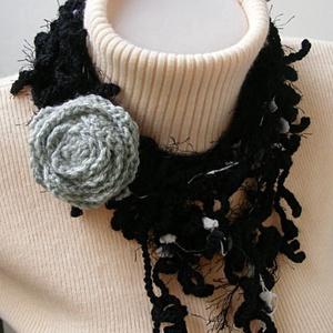 Horgolt ágas-bogas nyaklánc fekete-szürke színekben, Ékszer, Nyakpánt, gallér, Nyaklánc, Horgolás, Meska