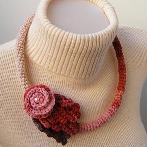 Horgolt nyaklánc őszi színekben, Ékszer, Statement nyaklánc, Nyaklánc, Horgolás, Meska