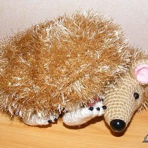 Cuki sünike arany-beige színekben - játék & gyerek - plüssállat & játékfigura - süni - Meska.hu