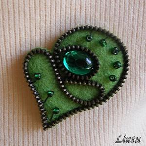 Cipzárbross (kitűző)  zöld színekben (Lintu) - Meska.hu