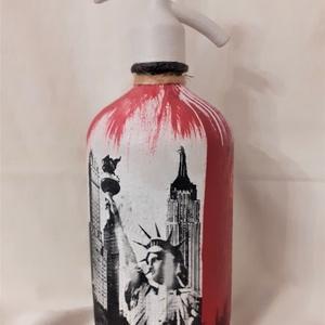 Festett Retro szódásüveg, New York, Otthon & Lakás, Dekoráció, Dísztárgy, Decoupage, transzfer és szalvétatechnika, Decoupage technikával és festéssel dekorált szódásüveg.\n31 cm magas, kb 2 kg\n, Meska