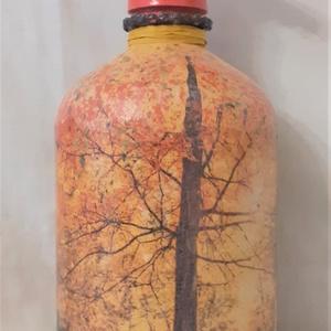 Festett Retro szódásüveg, Ősz, Otthon & Lakás, Dekoráció, Dísztárgy, Decoupage technikával és festéssel dekorált szódásüveg. 31 cm magas, kb 2 kg , Meska