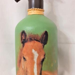 Festett Retro szódásüveg, Ló, Otthon & Lakás, Dekoráció, Dísztárgy, Decoupage technikával és festéssel dekorált szódásüveg. 31 cm magas, kb 2 kg , Meska