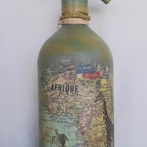 Festett Retro szódásüveg, Afrika, Otthon & Lakás, Dekoráció, Dísztárgy, Decoupage technikával és festéssel dekorált szódásüveg. 31 cm magas, kb 2 kg , Meska