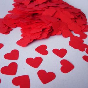 Szív alakú piros papír konfetti (500 db), Esküvő, Esküvői dekoráció, Meghívó, ültetőkártya, köszönőajándék, Otthon & lakás, Dekoráció, Ünnepi dekoráció, Szerelmeseknek, Papírművészet, RSP designs Handmade - Szív alakú piros papír konfetti\n\n♡ LEÍRÁS\n✰ Esküvőre, Valentin napra, évfordu..., Meska