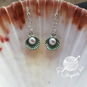 Kézzel festett metszett kagyló fülbevaló | Matyorozsa.hu
