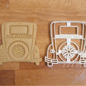 Just Married! old timer autó -  Egyedi esküvői sütemény kiszúró, Otthon & Lakás, Sütikiszúró, Konyhafelszerelés, Esküvőre készültök? Legyen a Nagy Nap még emlékezetesebb egyedi aprósüteményekkel, marcipánnal.   Ol..., Meska