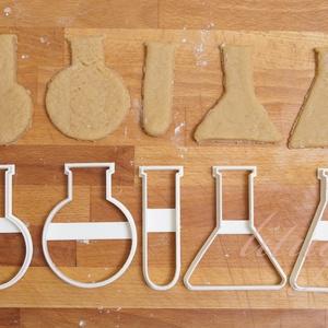 Lombik / kémcső sütemény kiszúró forma, Otthon & Lakás, Sütikiszúró, Konyhafelszerelés, Kémcső és lombik alakú sütemény kiszúró / szaggató, keksz forma.  Az ár 1 db formára vonatkozik! Ha ..., Meska