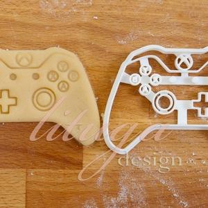 Game controller, Játék konzol sütemény kiszúró forma, Otthon & Lakás, Sütikiszúró, Konyhafelszerelés, X-box konzolt formázó sütemény kiszúró / szaggató forma.   Kb. 6,5 cm magas x 9 cm széles.  A siker ..., Meska