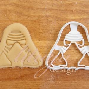 Star Wars - Kylo Ren alakú sütemény kiszúró forma, Otthon & Lakás, Konyhafelszerelés, Sütikiszúró, Kylo Ren-t  formázó sütemény kiszúrót is el kellett készítenünk :)    Kb. 8cm magas és széles alján ..., Meska