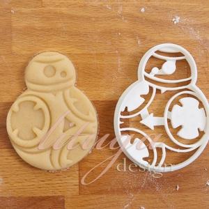 Star Wars süteménykiszúró - BB8  süteménykiszúró, Otthon & Lakás, Konyhafelszerelés, Sütikiszúró, Mindenmás, Mézeskalácssütés, BB8 robotot  formázó sütemény kiszúrót is el kellett készítenünk! \nKb. 8cm magas x 6,5 cm széles\n\nA ..., Meska