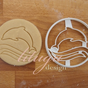 Állatos sütemény kiszúró forma - Delfin, hullámokkal, Otthon & Lakás, Sütikiszúró, Konyhafelszerelés, Állatos sorozatunk következő tagja: delfint formázó sütemény kiszúrót / szaggatót készítettünk.  8 c..., Meska