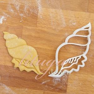 Tengeri csiga süteménykiszúró (hosszúkás csigaház), linzer, mézeskalács forma, keksz forma, Otthon & Lakás, Sütikiszúró, Konyhafelszerelés, Tengeri csigaházat formázó sütemény kiszúró / szaggató forma.   Ideális kellék tengerparti témájú bu..., Meska