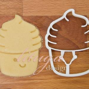 Muffin, cupcake formájú sütemény keksz linzer kiszúró forma (1), Otthon & Lakás, Sütikiszúró, Konyhafelszerelés, Mosolygós kis muffint, cupcake-et formázó sütemény kiszúró / szaggató, keksz, linzer forma.  Arca, a..., Meska