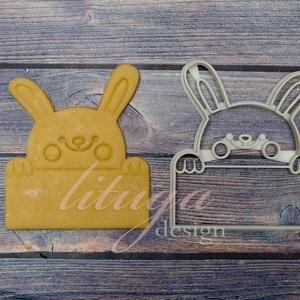 Húsvéti nyúl táblával, táblás nyuszifej süteménykiszúró, Konyhafelszerelés, Otthon & lakás, Gyerek & játék, Húsvéti díszek, Ünnepi dekoráció, Dekoráció, Mindenmás, Mézeskalácssütés, A bájos nyuszkó egy táblát tart a mancsaiban, melyre szeretteink nevét írhatjuk, kedves névreszóló a..., Meska