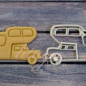 """Lakókocsi (2) süteménykiszúró - Járművek, lakóautó, lakókocsi, kempingezés, Otthon & lakás, Konyhafelszerelés, Fotó, grafika, rajz, illusztráció, Mindenmás, Szabadidős sorozatunk \""""kalandor tagozatának\"""" következő tagja: lakókocsit, lakóautót formázó sütemény..., Meska"""