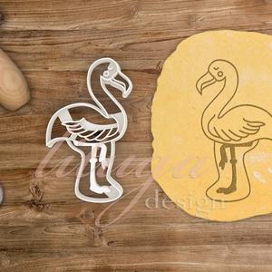 Flamingó süteménykiszúró, trópusi madár süteménykiszúró, mézeskalács forma, keksz, linzer szaggató, Otthon & Lakás, Sütikiszúró, Konyhafelszerelés, Flamingó formájú süteménykiszúrót / szaggatót készítettünk.  Kb. 7,5 cm széles és 7 cm magas  Két mé..., Meska