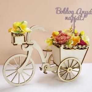 """Romantikus, anyák napi bicikli selyemvirágokkal, Otthon & Lakás, Dekoráció, Asztaldísz, Mindenmás, Újabb anyák napi ajándék készült! Fa bicikli, selyemvirágokkal és \""""Boldog anyák napját! felirattal\""""...., Meska"""
