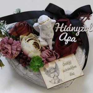 Selyemvirágok kő szívben - saját felirattal - Meska.hu