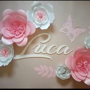 6 virágos szett fa dekornév, dekorbetű, felirat fényes papírvirággal, babanév, babaszoba dekoráció, Otthon & Lakás, Dekoráció, Betű & Név, Papírművészet, Mindenmás, Meska