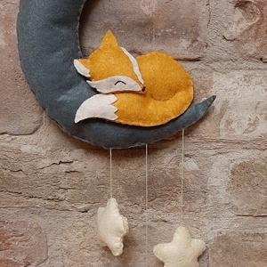 Alvó rókás filc dekoráció- babaszobába,ajtóra, Otthon & lakás, Dekoráció, Gyerek & játék, Gyerekszoba, Varrás, Filcből készült babaszoba dekoráció,nem csak babáknak,bárkinek ajánlom aki szereti a rókákat. \nFalra..., Meska