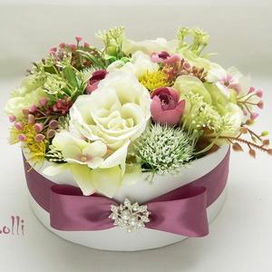 Zöld -ekrü selyemvirágbox - virágdoboz, virágbox, rózsabox (Lolli) - Meska.hu