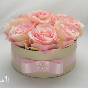 Rózsaszín selyemrózsás virágdoboz, virágbox, rózsabox (Lolli) - Meska.hu