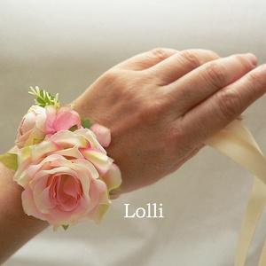 Rózsaszín rózsás csuklódísz esküvőre, szalagavatóra, Esküvő, Karkötő & Csuklódísz, Ékszer, Minőségi selyemvirágokból készítettem ezt az elegáns rózsaszín csuklódíszt. Ekrü szalagon, mérete 6x..., Meska