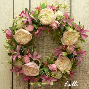 Vidám virágos tavaszi kopogtató, Otthon & lakás, Karácsony, Lakberendezés, Ajtódísz, kopogtató, Karácsonyi dekoráció, Dekoráció, Dísz, Ezt a virágos hungarocell koszorút halvány rózsaszín prémium selyemrózsákkal és kis mályva virágokka..., Meska