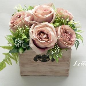 Vintage rózsás virágbox virágdoboz, Esküvő, Otthon & lakás, Lakberendezés, Esküvői dekoráció, Asztaldísz, Ezt a csodás vintage fadobozt,  élethű  egyedi antik rózsaszín rózsákkal és zöldekkel díszítettem.  ..., Meska