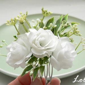 Fehér rózsás menyasszonyi fejdísz, Esküvő, Táska, Divat & Szépség, Hajdísz, ruhadísz, Ruha, divat, Fehér  selyemvirágokkal díszített fejdísz. Befoglaló mérete a fésű nélkül: 10x7cm  A terméket postán..., Meska